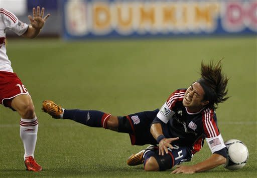 Barnes' lifts Revolution to draw with Red Bulls