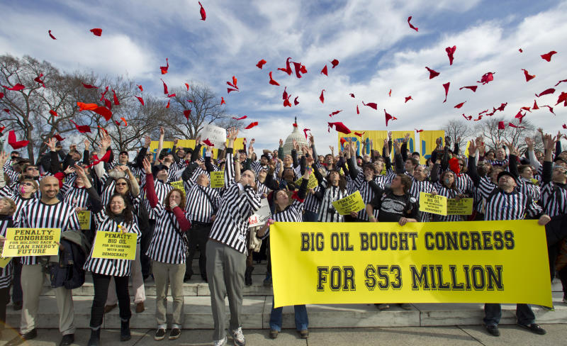 Pressure mounting on Obama over pipeline decision