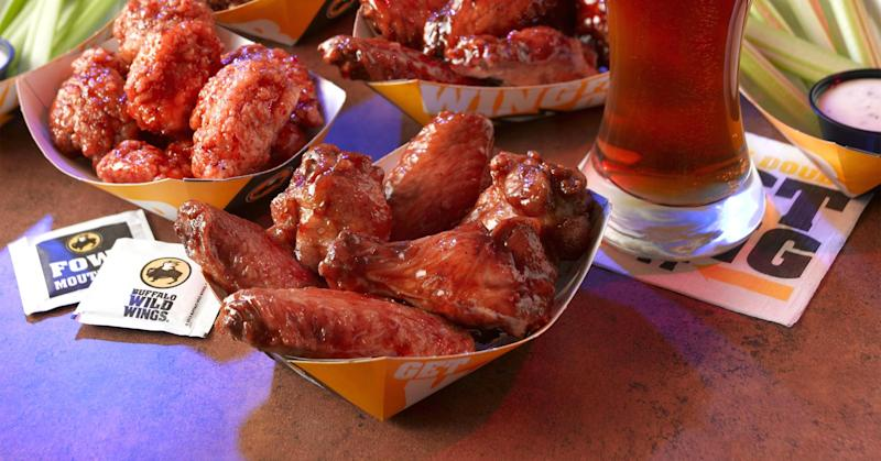 Hedge fund says Buffalo Wild Wings CEO is 'out to lunch'
