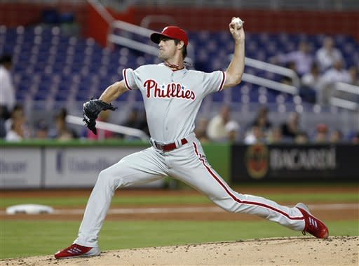 Hamels throws 2nd straight shutout for Phillies