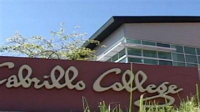 Cabrillo College Student Robbed At Gunpoint