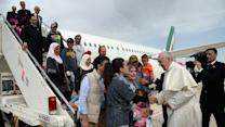 """Syrian refugee rescued by Pope Francis: """"I appreciate him more than any Islamic leader"""""""