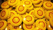 Shell Shakes Up Oil Trading World With Brash Buying Sprees