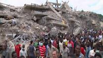 Raw: Nigerians Search Site of Building Collapse