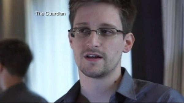 NSA contract worker is surveillance source according to report