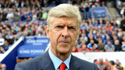Wenger responds to fans chanting 'spend the money' during Arsenal match