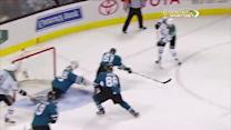 Alex Stalock robs Benn with diving glove save