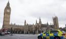 Varios heridos tras el choque de un automóvil contra las barreras del Parlamento británico