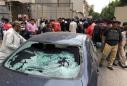 Gunmen attack Pakistani stock exchange, seven killed: police