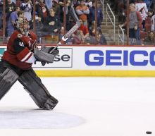 Coyotes' Mike Smith sets franchise record with 58 saves in loss