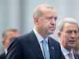 Der Türkei droht eine anhaltende Wirtschaftskrise, glauben die Ratingagenturen — sie stufen das Land weiter herab