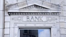 2 Top Bank Stocks to Buy In October