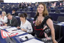 """L'europarlamentare 5 Stelle Daniela Aiuto: """"Lascio il Movimento. La Casaleggio ci chiede le password dei social, è entrata nelle nostre vite"""""""