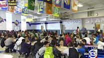 Middle school hosts community Thanksgiving meal
