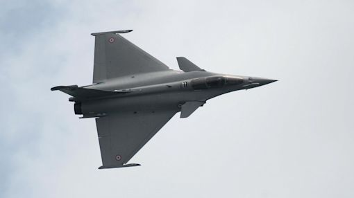 India seals deal to buy French fighter jets for $8.7 billion