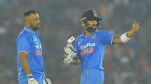 Weak lower middle-order shackled MS Dhoni, says Virat Kohli