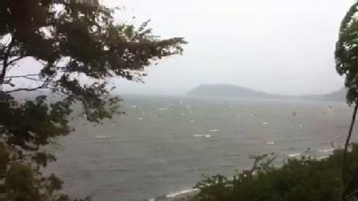 Viewer Video: Wind, Rain Pound Mallet's Bay