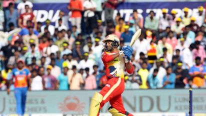 R Sathish reveals how he played with a knee injury at the TNPL final