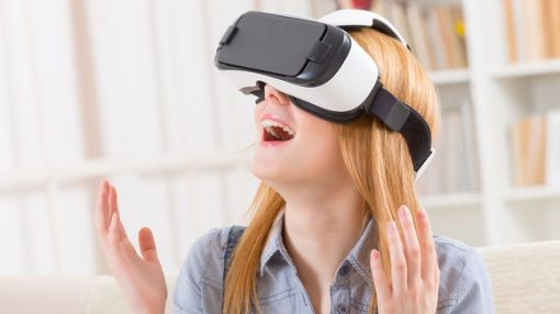 The 2 Most Wildly Overvalued Stocks in Virtual Reality