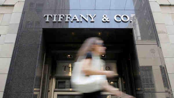 Feds: Tiffany exec stole jewelry worth $1.3M