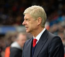 Arsene Wenger 'rejects' £30m-a-year salary in China to stay with Arsenal