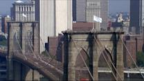 NYPD Attempts to Solve White Flag Mystery at Brooklyn Bridge