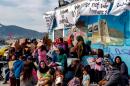 Varias decenas de refugiados heridos en Lesbos al ser atacados por ultras