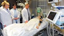 Putin visits Maria Komissarova in hospital