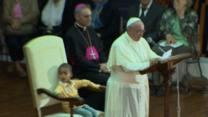 Raw: Boy Steals Spotlight From Pope Francis