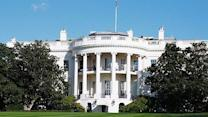 White House warns 'fiscal cliff' may hurt consumer spending