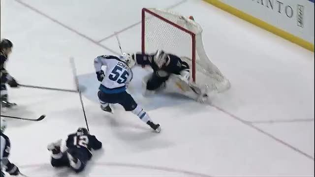 Mark Scheifele scores with his quick hands