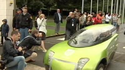 'Green' Drivers Go Around World