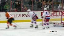 Giroux scores on Holtby with dirty dangle