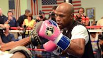 Floyd Mayweather pushing himself 'to the limit'