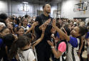 9-year-old girl helps Stephen Curry fix online shoe access