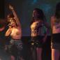 Aux 10 ans des Femen, Lio a chanté seins nus