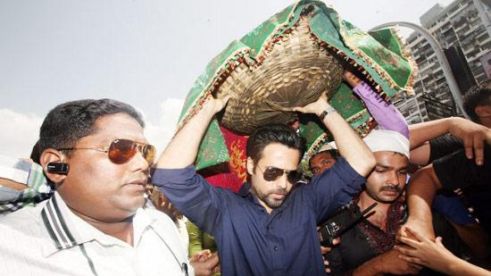 Why Did Emraan Hashmi Visit Haji Ali?