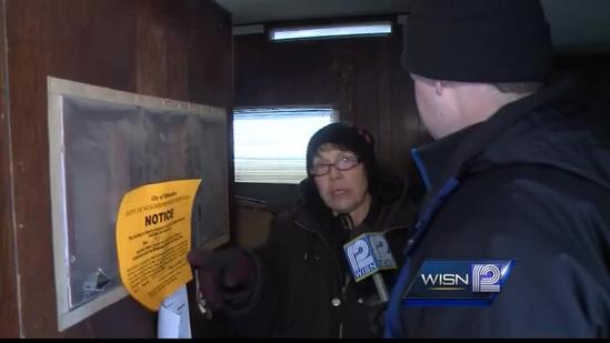 Those evicted from mobile home park struggle to move quickly