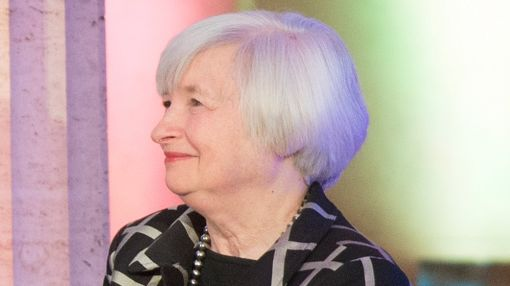 Listen To Yellen, Watch Wal-Mart, Mobileye: Friday Investing Action Plan