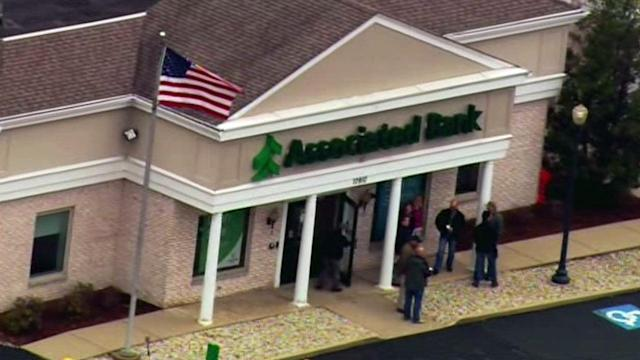 FBI: 2 suspects in custody, 1 dead in Richmond bank robbery shootout