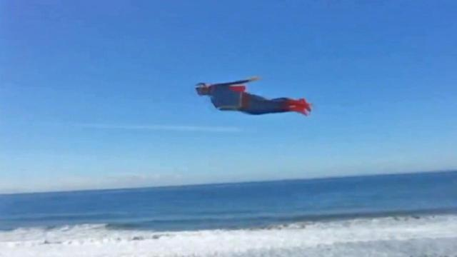 'Superman' flies over Carlsbad beach