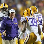 Michigan reportedly once tried to land Les Miles with a Domino's airplane, but couldn't deliver