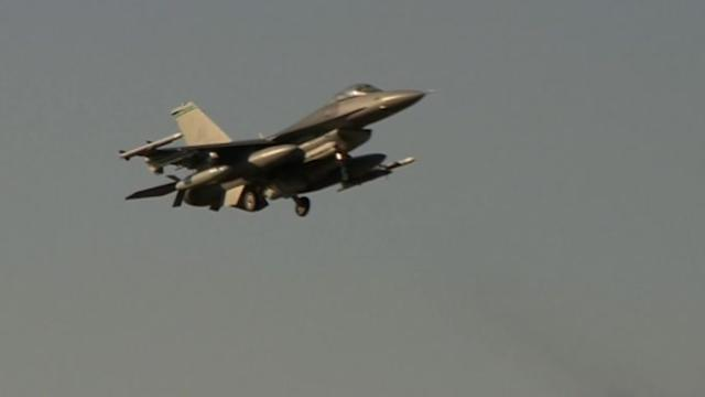 U.S. deploys fighter jets to Poland, sends message to Russia