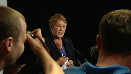 Marois campaigns for majority