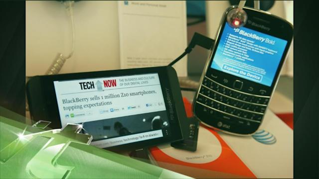 Latest Business News: New BlackBerry With Keyboard to Hit US Stores