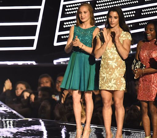 Beyoncé Meeting the Final Five at the VMAs Is the Cutest Thing Ever