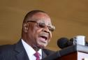 Malawi president, ministers take 10% salary cut to fight coronavirus