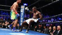 Shawn Porter's body work, whirlwind attack result in ninth-round TKO of Andre Berto