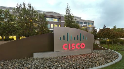 5 Reasons to Buy Cisco Systems Now