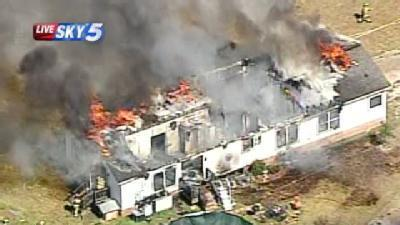 Crews Battle Large Mobile Home Fire